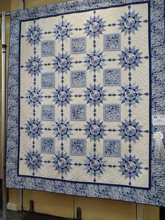 A Delft Blue that was in the Nashua Quilter's Gathering show