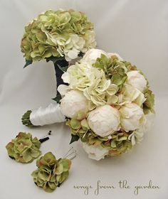Package Bridal Bouquet - different colors, and this might be the one! (different boutonniere's though)