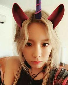 Girl's Generation • Taeyeon  ~ Selca ~ Selfie ~ Cute ~