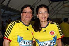 Familis Santos-García apoyando a la Selección. Viva Colombia !!! Te amamos. @PachoSantosC