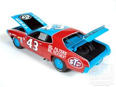 1972 Richard Petty #43 Road Runner Scale Model - LegacyMotors Scale Model Cars