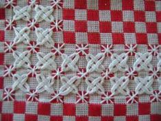 Imagem relacionada Chicken Scratch Embroidery, Wands, Cross Stitch, Quilts, Blanket, Crochet, Rotary, Carne, Red Gingham