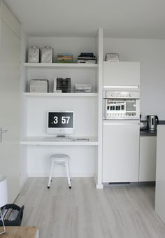 Workspace / Office Inspiration :: Small Space Solution for Open Floor Plan Mini Loft, Tiny Spaces, Small Rooms, Small Appartment, Tiny Studio Apartments, Small Home Offices, Interior Architecture, Interior Design, Compact Living