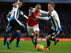 Arsene Wenger unsure on Theo Walcott's Arsenal future
