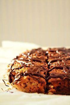 Εναλλακτικό Κέικ με Βρώμη, Χουρμάδες και Σοκολάτα γιατί υπάρχει και αυτό το κέικ, τέλειο, ελαφρύ και είναι σούπερ ενεργειακό! Diet Recipes, Healthy Recipes, Greek Desserts, Light Diet, Sweets Cake, Banana Bread, Healthy Snacks, Oatmeal, Deserts