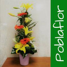 Centros de Flor, que sólo con verlos, te ALEGRAN el Día!!! www.poblaflor.com #Flores #FlorNatural #Floristerias #Poblaflor #Valencia #CentrosDeFlor #ArreglosFlorales #IdeasParaRegalar #FloresValencia #RamosDeFlor #DiseloConFlores