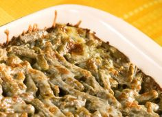 A Twist On The Classic Casserole: Cheesy Mozzarella Green Bean Melt Amish Recipes, Bacon Recipes, Side Dish Recipes, Vegetable Recipes, Cooking Recipes, Greenbean Casserole Recipe, Easy Casserole Recipes, Green Bean Casserole Recipe From Scratch, Frozen Green Beans