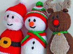 Knitting+Pattern+Of+The+Week:+Santa,+Snowman+and+Reindeer+Toys Tricô + Padrão + Of + The + Week: + Papai Noel, + Boneco de neve + e + Rena + Brinquedos Easy Knitting Patterns, Free Knitting, Knitting Projects, Free Christmas Knitting Patterns, Knitting Toys, Knitting Ideas, Baby Knitting, Knitted Christmas Decorations, Christmas Stocking Pattern