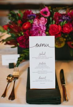 Sophisticated black menu card #wedding #weddingmenu #blackgold #menucard #tablesetting