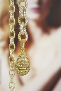 It's just sexy. Crystal Drop, Pearl Necklace, Pendants, Pearls, Crystals, Sexy, Jewelry, Dresses, String Of Pearls