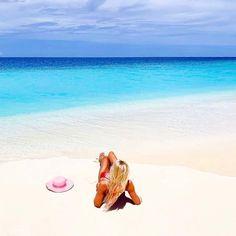 ~ Go outside and get some sunshine ~ #vacation #wanderlust #travelbloggers #luxuryhotels #luxuryholiday #travelismypassion #visitmaldives #Sunnysideoflife #exploring #travellifestyle #lovetotravel #tropicalisland #lovetheocean #foreversummer #tropicalisland #maldives #funinthesun 📷 @sunsiyamiruveli Maldives Luxury Resorts, Visit Maldives, Paradise On Earth, Luxury Holidays, Go Outside, Exploring, Sunshine, Wanderlust, Ocean