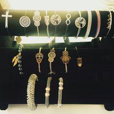 Süße stylische Armbänder aus Südfrankreich  #weihnachtsgeschenk #littlepresent #gold #silber #einzelstücke #beautiful #garnichtteuer #style #kelabeauté #Kempten #ohnenickel #besonderesgeschenk #girls #girlstuff