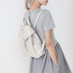 zhinoutfit:  Little beige leather backpack | Asya Malbershtein