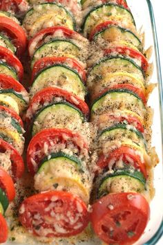 Parmesan Tomato Zucchini Bake is a simple recipe with layere.- Parmesan Tomato Zucchini Bake is a simple recipe with layered fresh tomatoes, zucchini and summer squash topped with garlic, onions and parmesan cheese! Tomato Zucchini Bake, Baked Parmesan Tomatoes, Zucchini Casserole, Squash Zucchini Recipes, Simple Zucchini Recipes, Tomato Squash Recipe, Zuchinni And Tomato Recipes, Baked Parmesan Zuchinni, Zuccini Bake