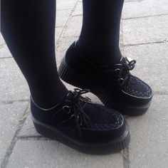 Lovely black creepers