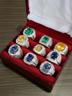 Box O' Candies Sapphire.chrysobery cat's eyes with gold diamond ring Mens Gemstone Rings, Mens Gold Rings, Gold Diamond Rings, Rings For Men, Real Gold Jewelry, Men's Jewelry Rings, Luxury Jewelry, Mens Ring Sizes, Antique Rings