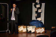 """""""Ausência"""" é um exercício cênico composto por três esquetes que falam sobre a perda, a dor, a saudade, o vazio. As esquetes foram desenvolvidas pela aluna Letícia Borges como proposta de uma nova dramaturgia. Os participantes são: Fernando Antonio Santos, Leonilda Gomes, Leticia Borges e Talita Sabbag."""