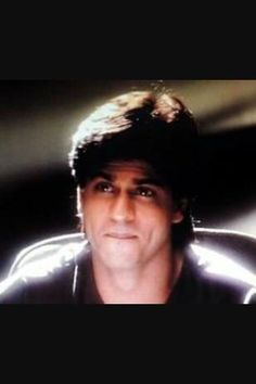 @drishti9500 @Imsrk456 @iamSandy_SRK hmmm dear dn be sad n cheer with him