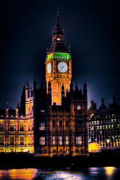 Christmas Big Ben, London - Christmas in England... sounds like a good idea to me! :)