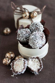 bounty-tryffelit on Chocochili Mini Desserts, Delicious Desserts, Yummy Food, Chocolate Shop, Vegan Chocolate, Sweets Recipes, Raw Food Recipes, Food Catalog, Coconut Truffles