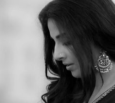 Vidya Balan- The Real Saree Goddess Portrait Photography Poses, Photography Poses Women, Girl Photography Poses, Portraits, Children Photography, Indian Photoshoot, Saree Photoshoot, Girl Photo Poses, Girl Poses