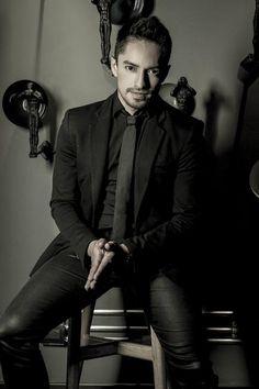 Ronald Mayorga define su estilo en siete looks - Terra