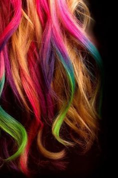 These highlights are so exotic and sick and I just LOVE IT! Sorry for the fangirl moment, but you already know my username! Lol #colorhighlights #blonde&rainbow #€hair