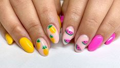 It's getting hotter. Summer clothes are pulled out and put on to create a fresh look. Strawberry Nail Art, Watermelon Nail Art, Cherry Nail Art, Fruit Nail Art, Bright Nails, Yellow Nails, Red Nail, Nail Gel, Pastel Nails