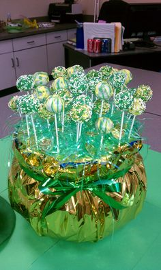 st pats cake pops - cute idea for creating a pot of gold