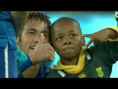 Neymar Rescues Young Pitch Invader From Stewards on South Africa vs Braz. love u Neymar James Rodriguez, Neymar Jr, Funny Sports Videos, Brazilian Soccer Players, Celebrity Smiles, Uplifting News, National Football Teams, Football Field, Soccer Fans