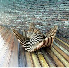 Mesa en madera y vidrio