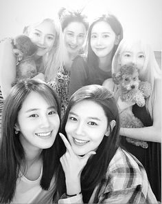 """💗🌟kat🍭🌙 on Twitter: """"Did I save this pic or did this pic saved me 😭😭😭… """" Kim Hyoyeon, Sooyoung, Yoona, Girls' Generation Taeyeon, Girls Generation, Snsd, Kpop Girl Groups, Kpop Girls, Kwon Yuri"""