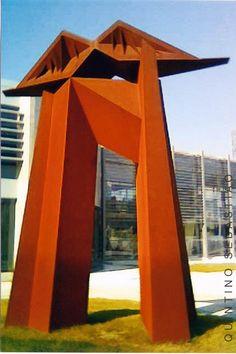 escultura de Quintino Sebastião, no Parque do Choupal em Torres Vedras, Portugal
