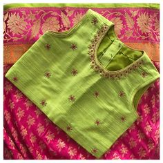 Kids Blouse Designs, Hand Work Blouse Design, Simple Blouse Designs, Kids Dress Wear, Toddler Girl Dresses, Baby Girl Dress Patterns, Kids Frocks Design, Baby Lehenga, Hanger