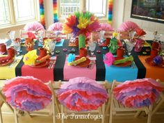 The Partiologist: Fiesta Party Table - I LOVE this theme, the whole table looks happy, festive, fun and so pretty!