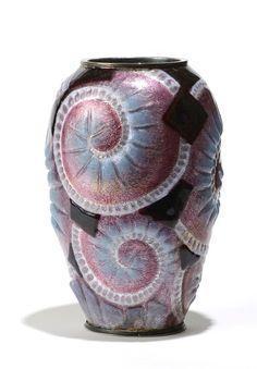 ee24242f4e6 Camille FAURÉ (1874 - 1956) circa 1930 Vase en cuivre