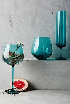 Pippa Stemless Wine Glass | Blue wedding tableware ideas | Blue table setting ideas