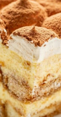 Classic Tiramisu ~ A luscious coffee-flavored dessert with a little something extra from the Kahlua liqueur. Best Dessert Recipes, Easy Desserts, Delicious Desserts, Cake Recipes, Yummy Food, Yummy Yummy, Tasty, Italian Desserts, Italian Recipes