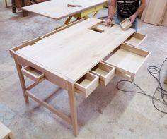 BS01 desk is almost ready to be finished. It's just being examinated by our crafstman. #desk #wood #oak #wewood