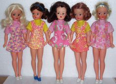 Sindy Fashion Girl Variants from the early Vintage Dolls, Retro Vintage, 70s Fashion, Girl Fashion, Tammy Doll, Sindy Doll, Fur Wrap, Trendy Girl, Barbie Collection