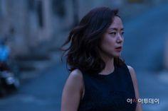 The Shameless /무뢰한 (2015) Korean Movie Review  #무뢰한 #JeonDoYeon #KimNamGil #ParkSungWoong #KwakDoWon #TheShameless   http://www.kmovietalk.com/2015/05/the-shameless-Review.html
