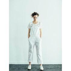真っ白で柔らかくて清潔で優しくなめらかな白Tシャツの定番コーデ