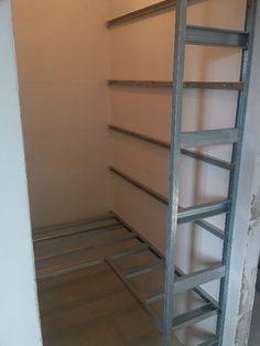 Dnes jsou sádrokartonové rampy velmi oblíbeným doplňkem interiérů. Často slouží jako osvětlení doplňkové nebo hlavní. Navíc vypadají prvky moderně. Ani nám se tato novota nevyhnula.