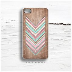 iPhone 4 and iPhone 4S case, Geometric Chevron on Wood iPhone case design, Stripe Pattern on Wood iPhone cover I94