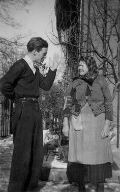 Alexander Schmorell with his nursemaid, Feodosia Lapschina.