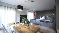 soggiorno moderno con mobili di design lago