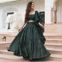 Indian Gowns Dresses, Indian Fashion Dresses, Indian Designer Outfits, Girls Fashion Clothes, Skirt Fashion, Stylish Dresses For Girls, Stylish Dress Designs, Designs For Dresses, Wedding Lehenga Designs