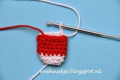 Haakblog Een blog over haken en patronen, één van mijn hobby's. About crochet and how to crochet, mini-bag patterns Seedbeads kralen projecten.