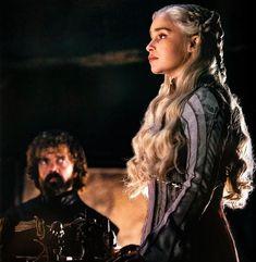 Game Of Thrones Dress, Game Of Thrones Tv, Khaleesi, Daenerys Targaryen, Girls In Mini Skirts, Mother Of Dragons, Badass Women, Emilia Clarke, Winter Soldier