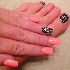 Maybe with a different color and then just black and white for a accent finger
